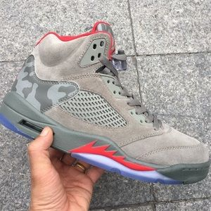 Mens Jordan's 5 Retro P51 Camo paid $195 Size 13